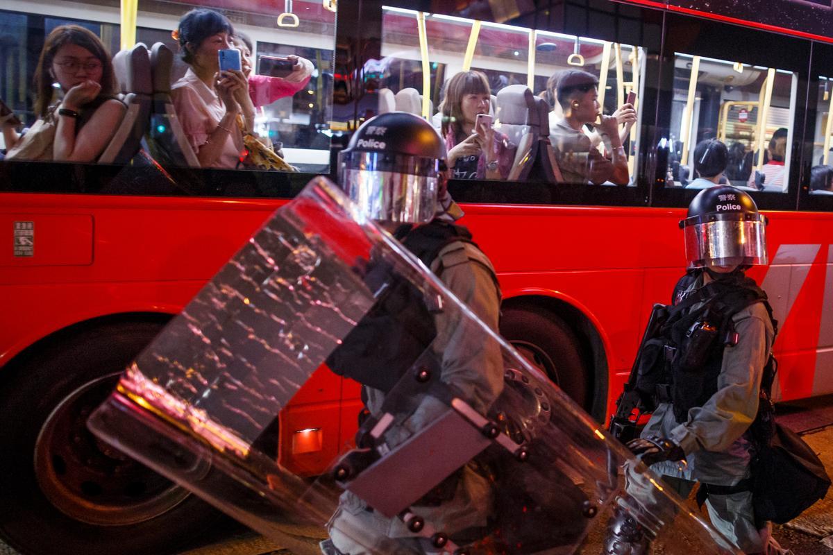 Hong Kong steun vir massa-anti-regerings-saamtrek