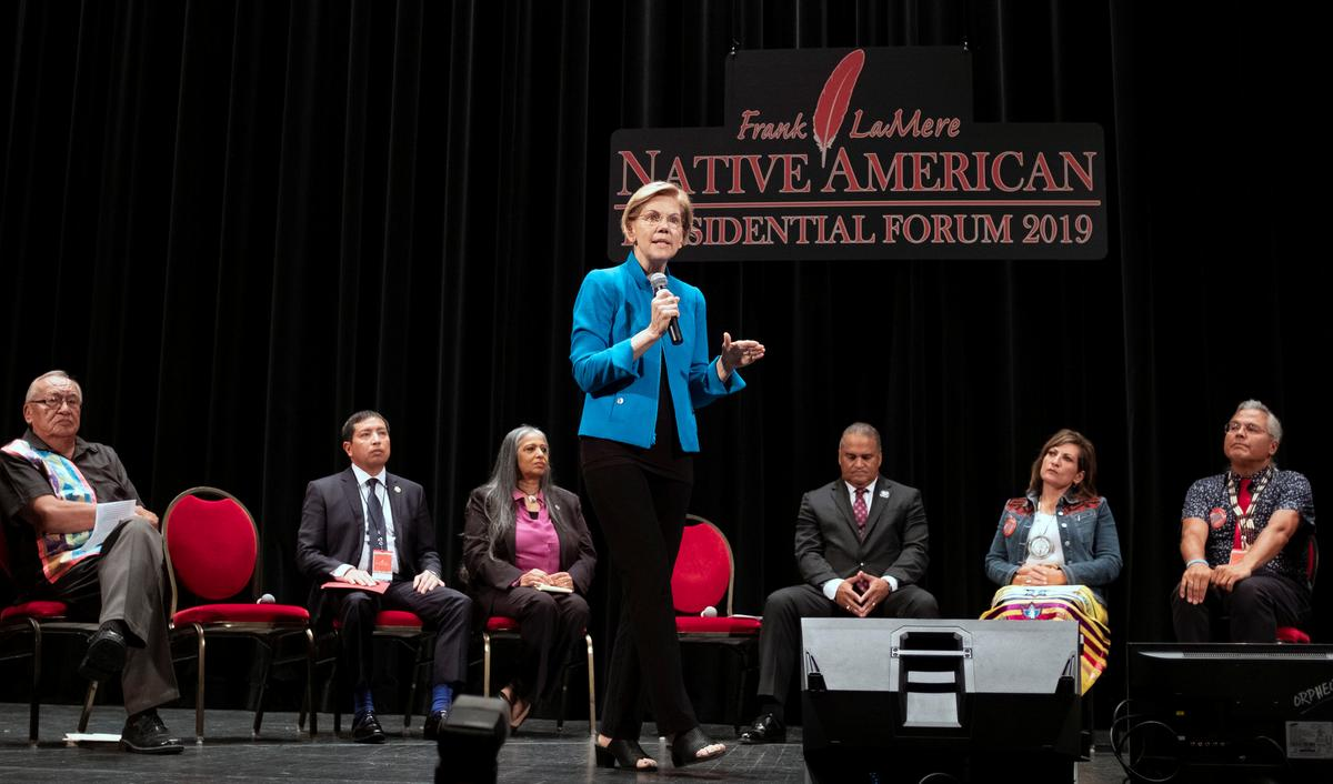 Democratic hopeful Warren apologizes for Native American ancestry claims