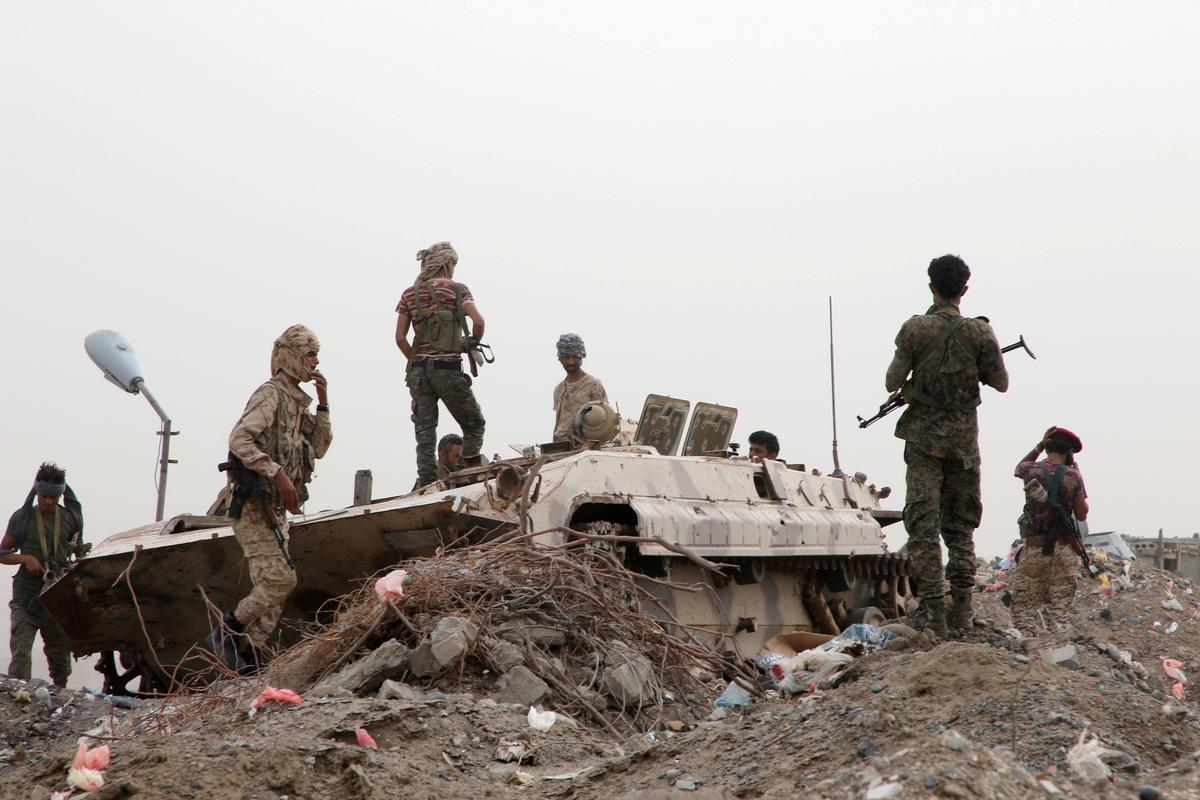 Jemenitiese separatiste brei beheer in die suide uit, Saoedi-geleide magte slaan kapitaal