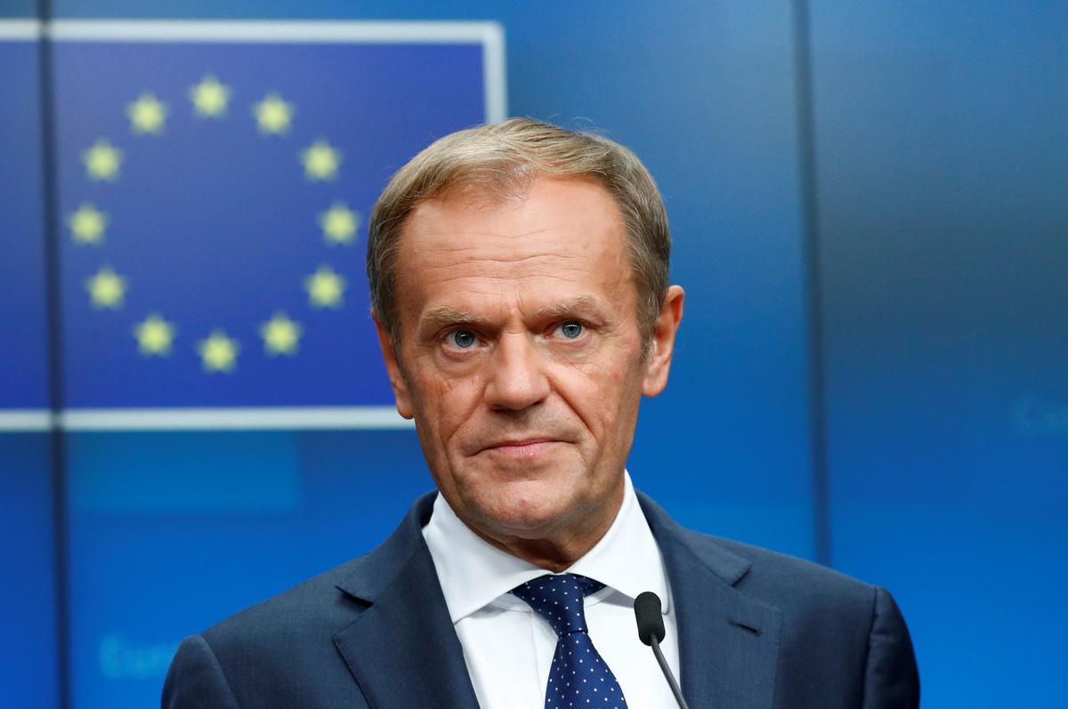 EU se Tusk beskuldig Britse premier van die Britse regering daarvan dat hy na die Ierse grensbeheer na die Brexit gestoot het