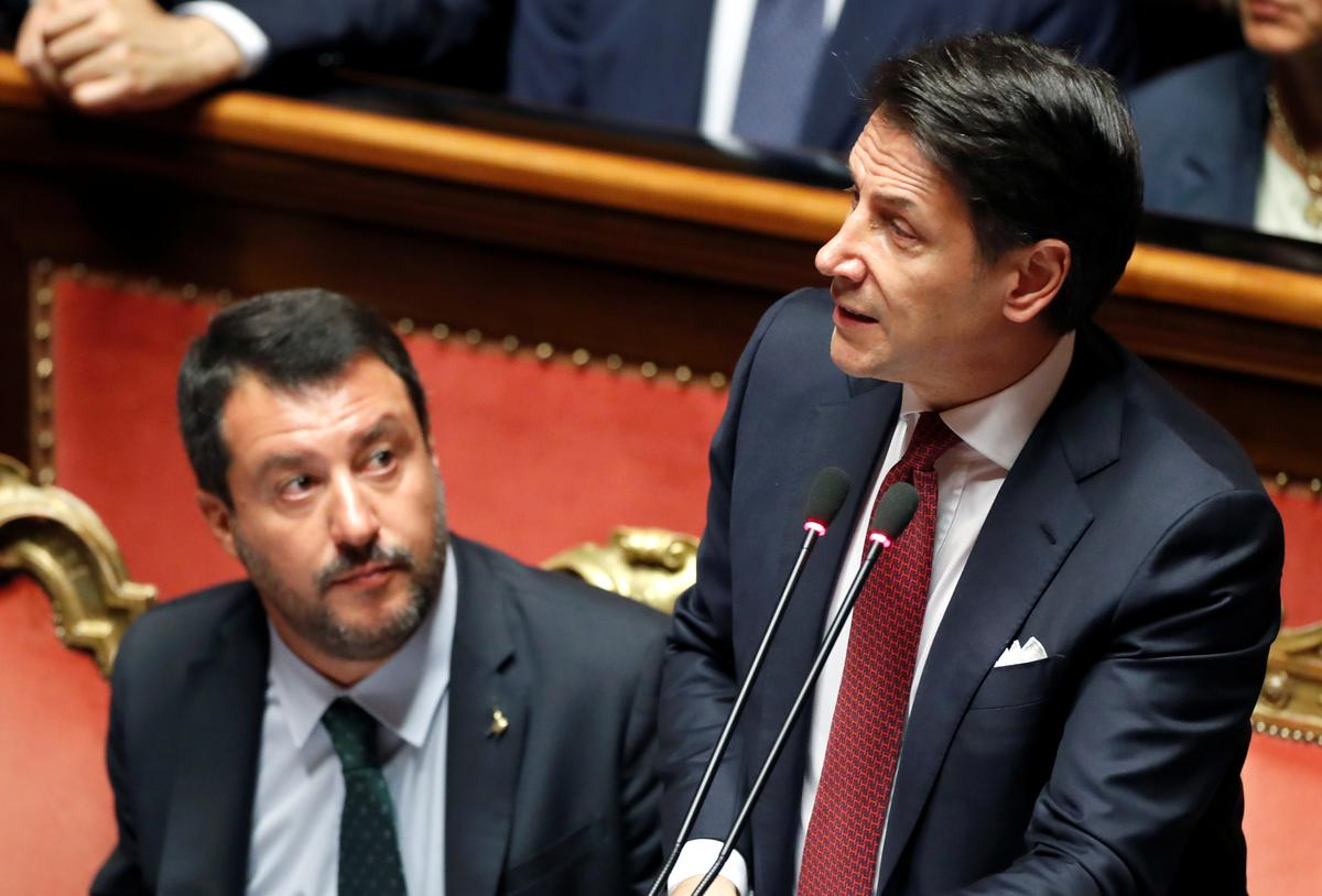 Die Italiaanse premier onttrek, veroordeel Salvini omdat hy die regering gesink het