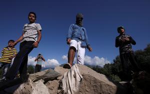 Life under lockdown in Kashmir