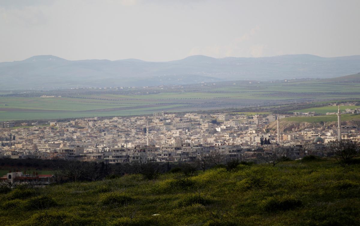 Tienduisende vlug Rusland-geleide aanval op Siriese opposisie-enklawe