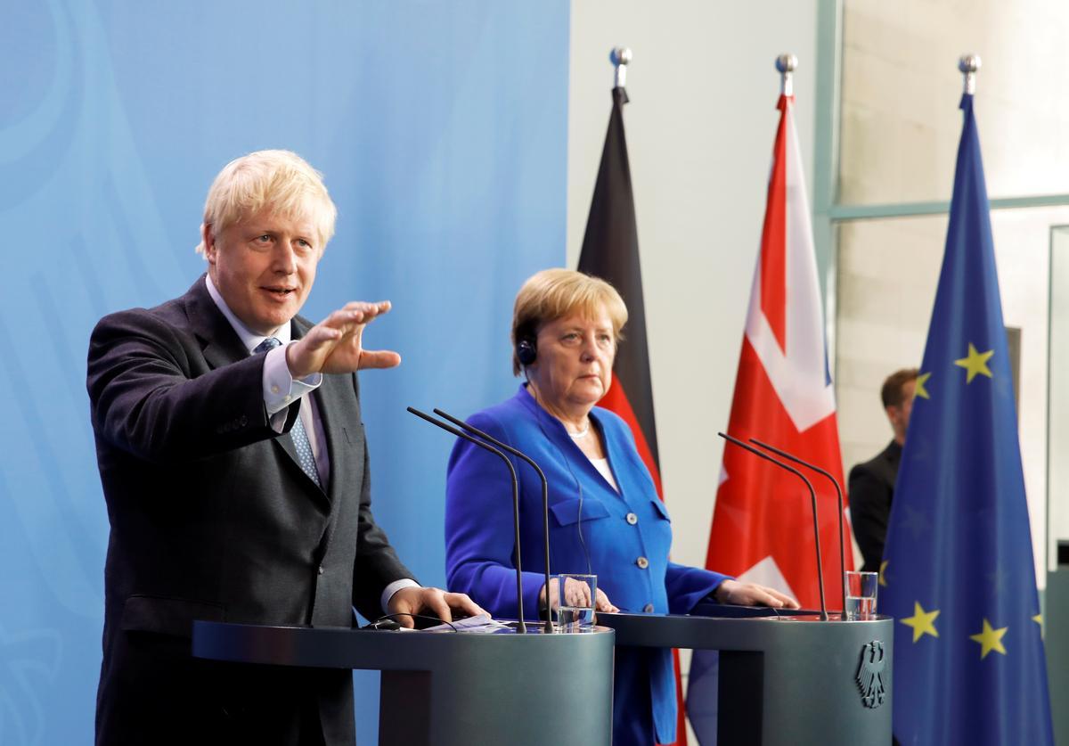 Teks: Britse premier Johnson op Brexit tydens vergadering met Merkel