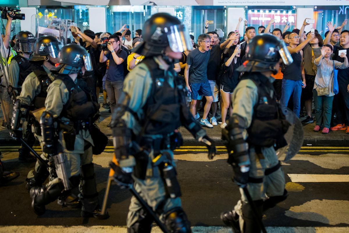 Vooraansig: Die saak teen geweld in protesoptogte in Hong Kong
