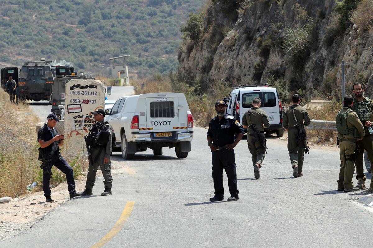 Israeliese tiener is naby die nedersetting per bom dood: Israeliese amptenare