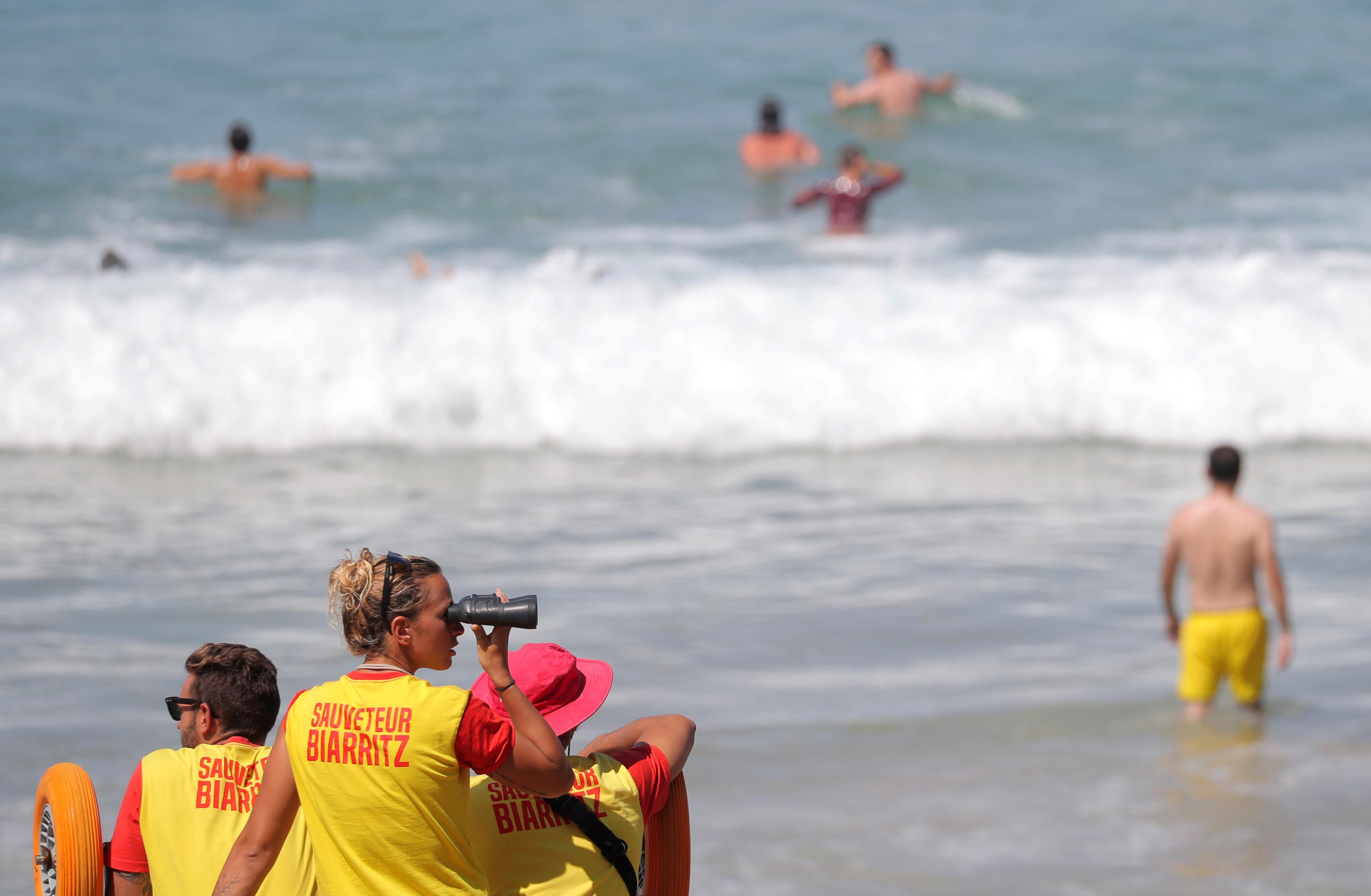 As G7 leaders arrive, barricaded Biarritz leaves swimmers out in the cold