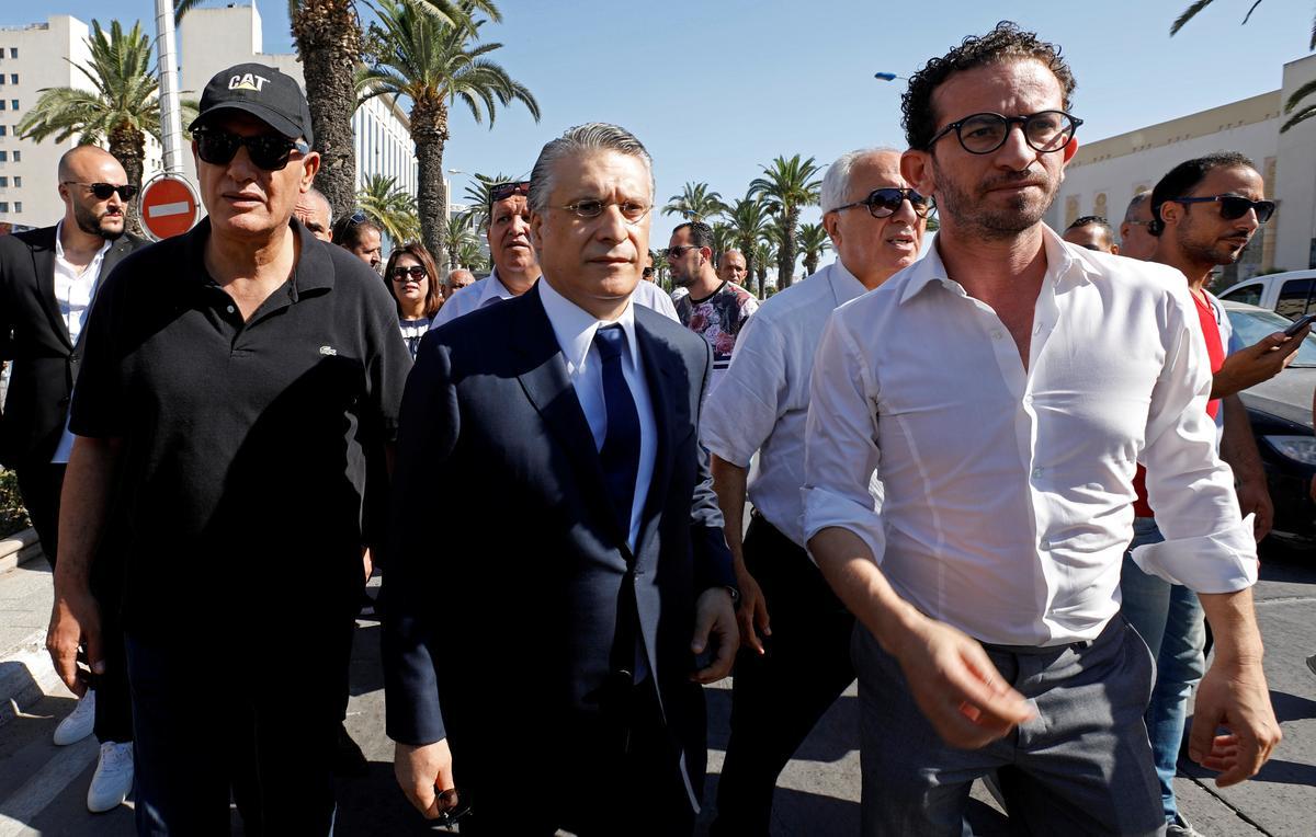 Die polisie in Tunisië arresteer presidentskandidaat Karoui op aanklagte van belastingontduiking