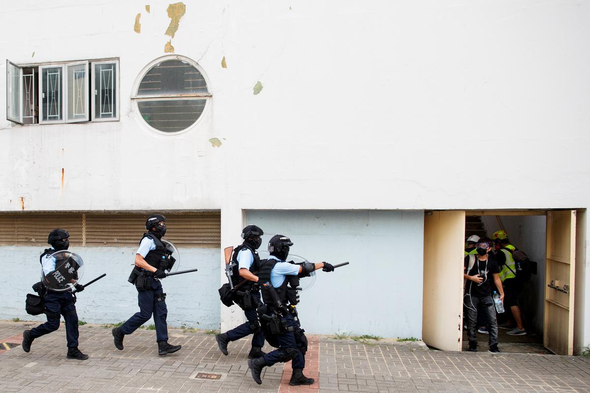 Die polisie in Hong Kong arresteer 29 ná oornag botsings, en nog meer protesoptrede is beplan