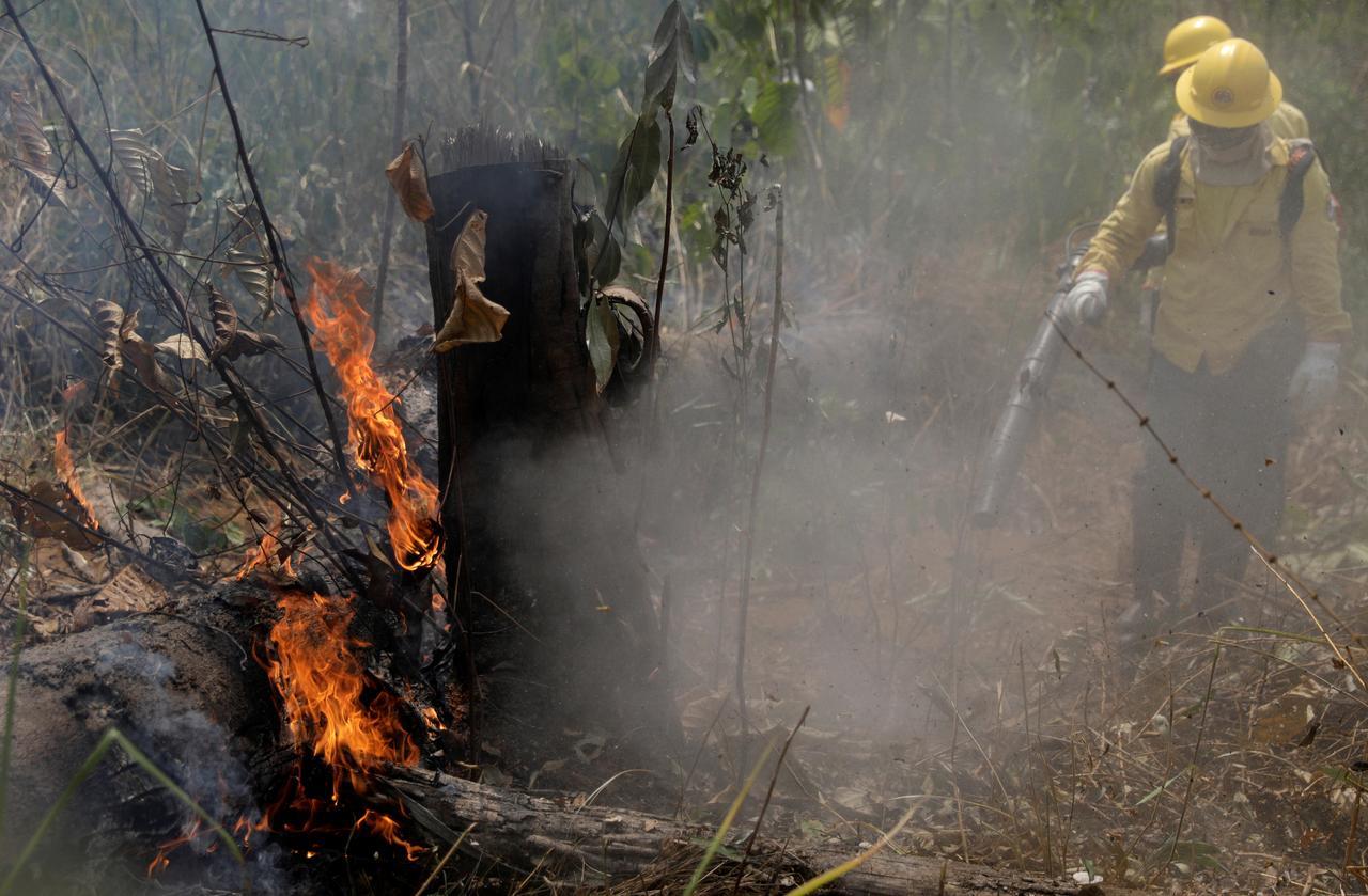 Warplanes Dump Water On Amazon As Brazil Military Begins Fighting