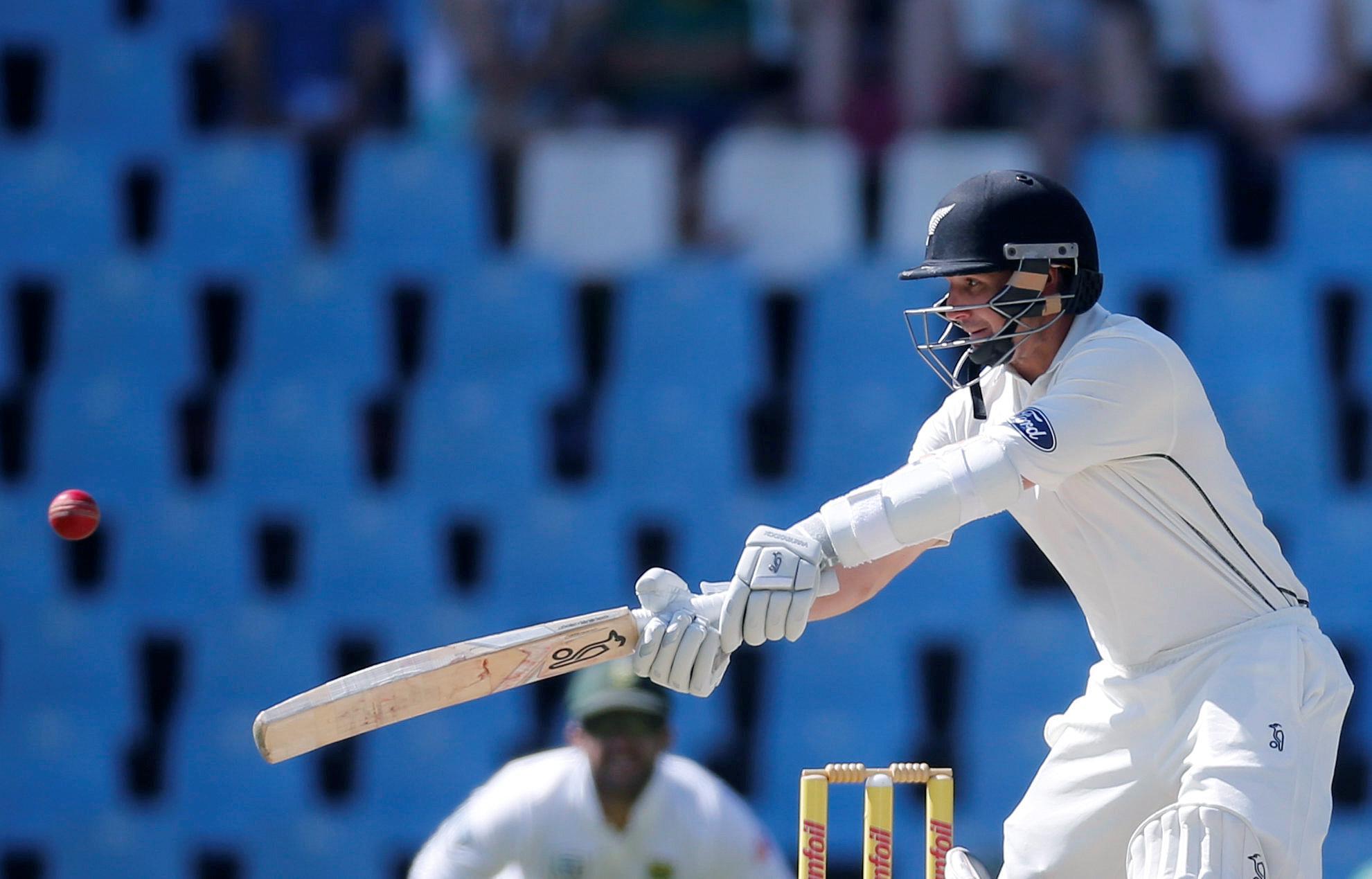 New Zealand crush Sri Lanka to level series