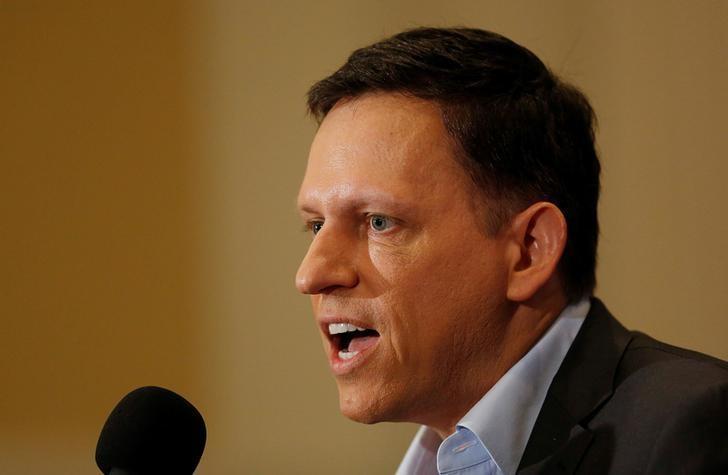 Thiel's Founders Fund verkoop die oorblywende Facebook-aandele