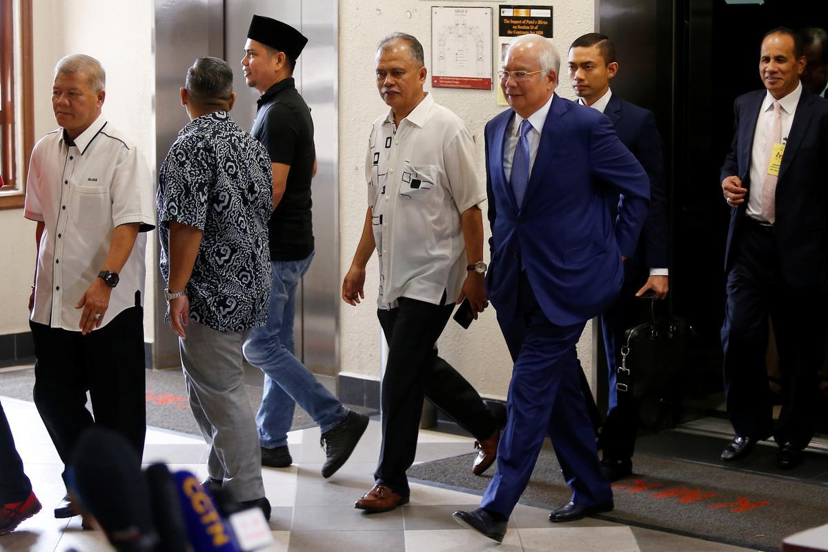 Aan die begin van 'n 1MDB-verhoor skilder vervolging 'n verhaal van oormatige en mishandeling