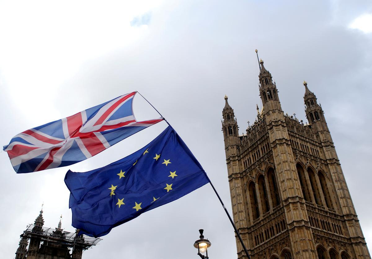 EU-kommissie versoek Brittanje om binnekort Brexit-voorstel voor te lê
