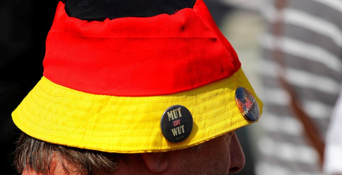 Heel reg om die wankelrige Merkel-koalisie in oostelike stemme te laat slaan