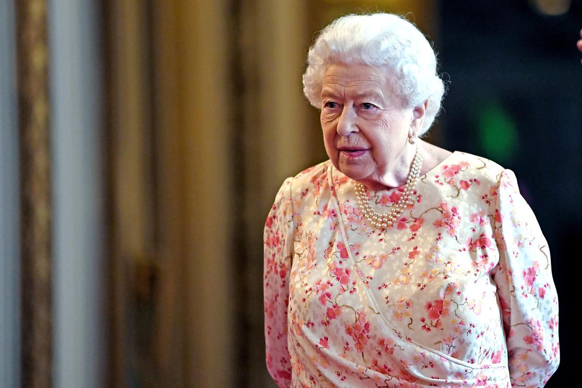 Koningin Elizabeth keur die Britse parlement se skorsing goed