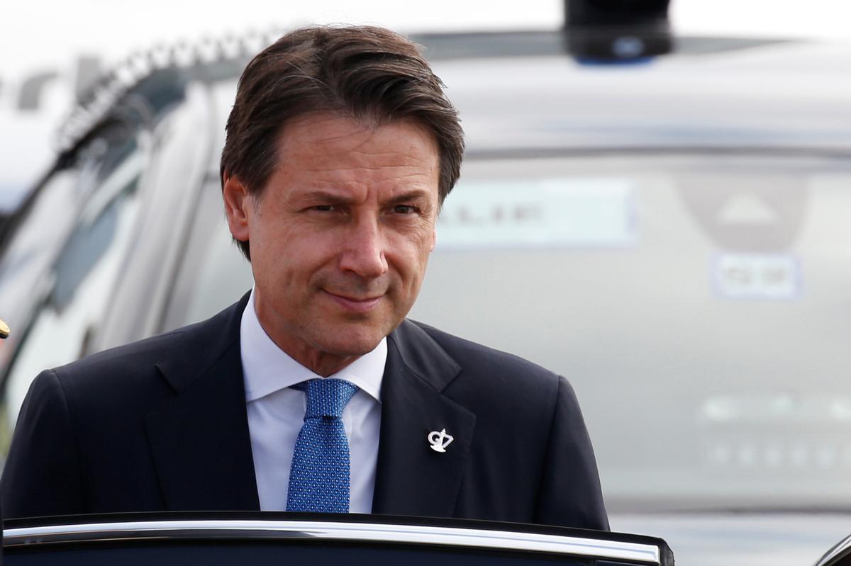 Die Italiaanse president dagvaar Conte, wat na verwagting nuwe regeringsmandaat sal gee