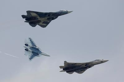 Russia showcases aerial power at MAKS air show