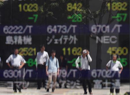 Asian shares near one-week top on soothing trade tone, overall mood cautious