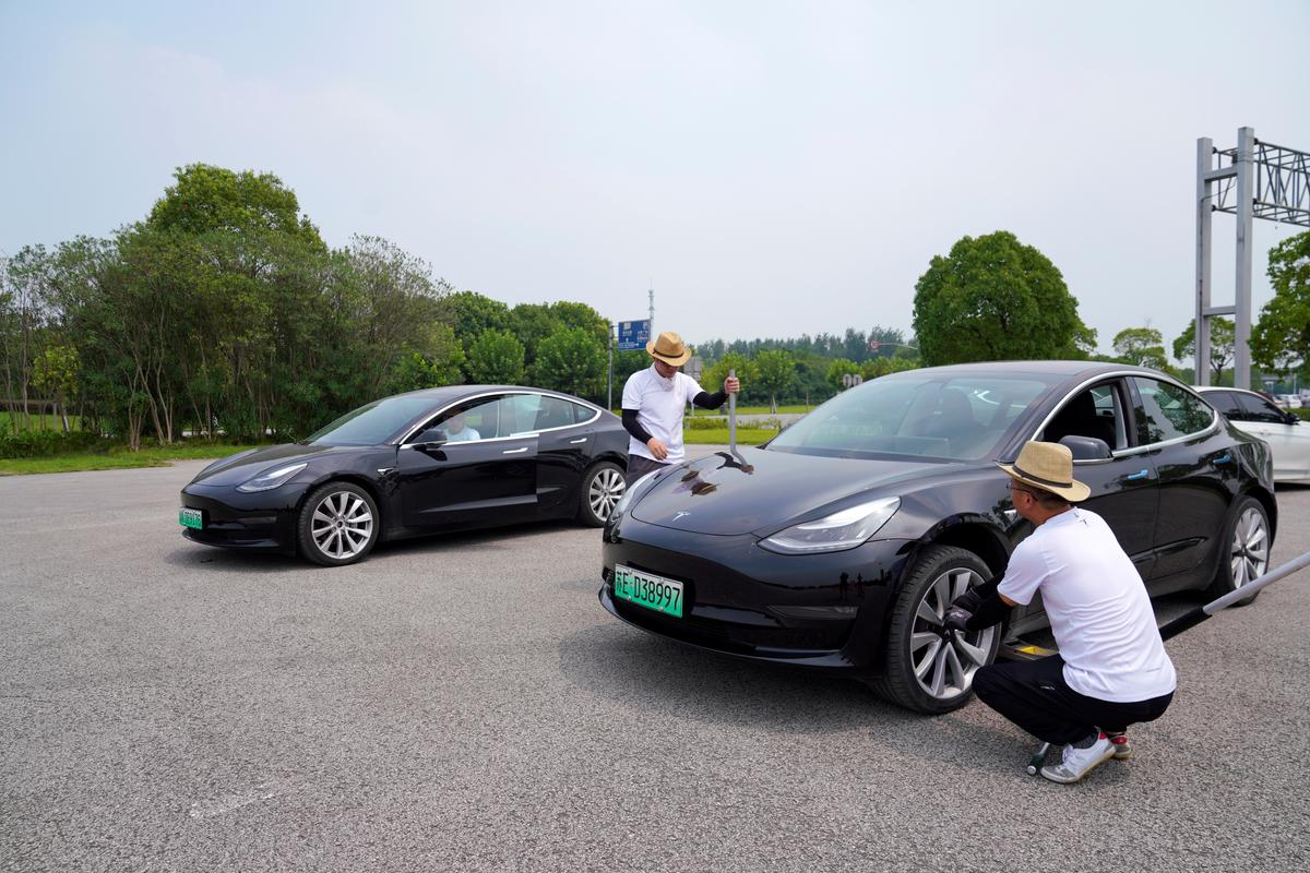 Met wedrenne en musiekgeleenthede kry Tesla bemarkingsallergie in China