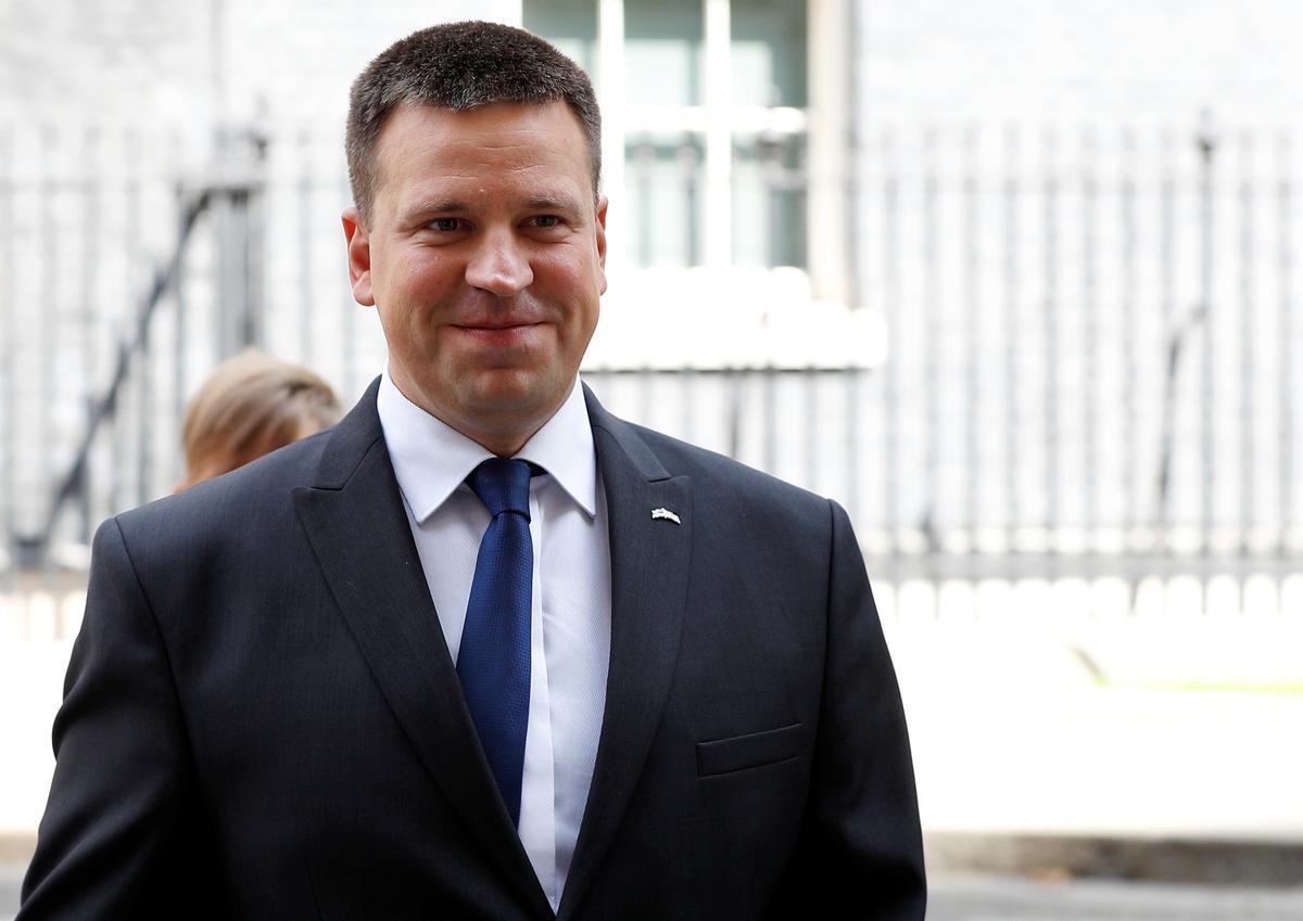 Estlandse premier oorleef nie-vertroue