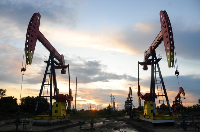Oil prices rise over 4% on positive economic data from China