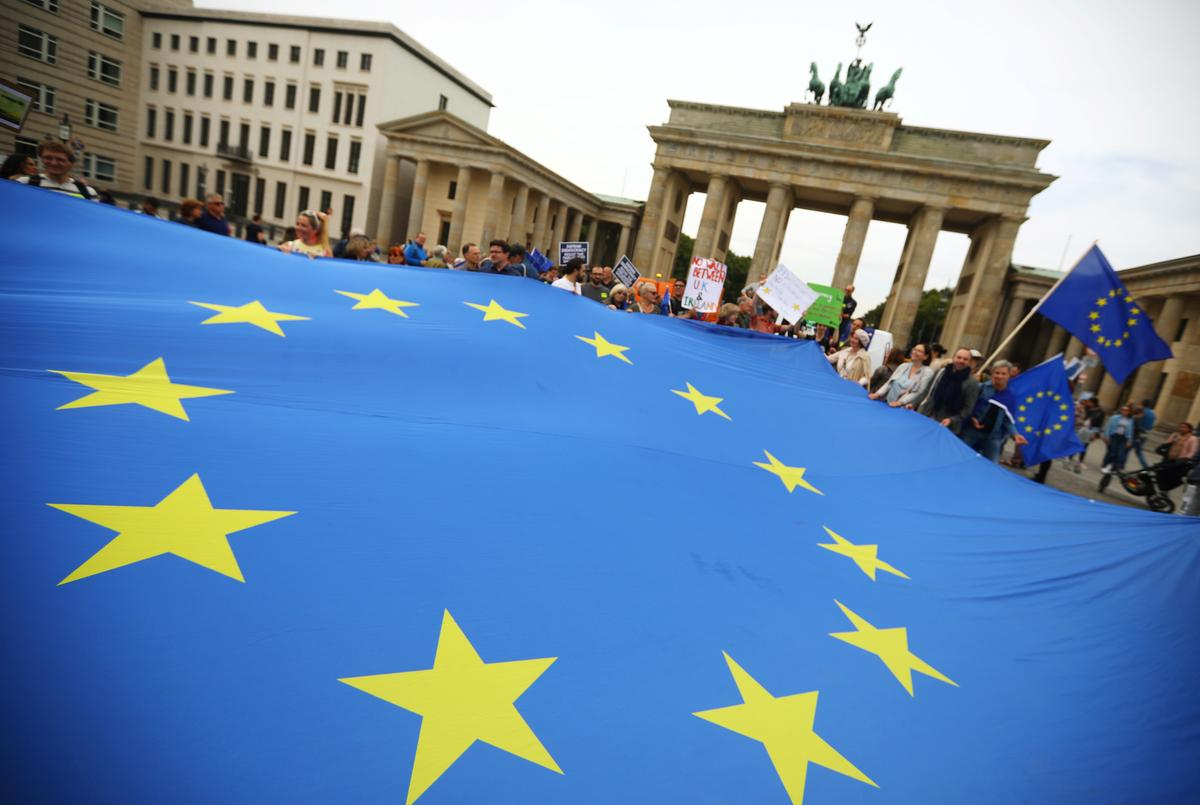 Demonstrators protest against no-deal Brexit in central Berlin