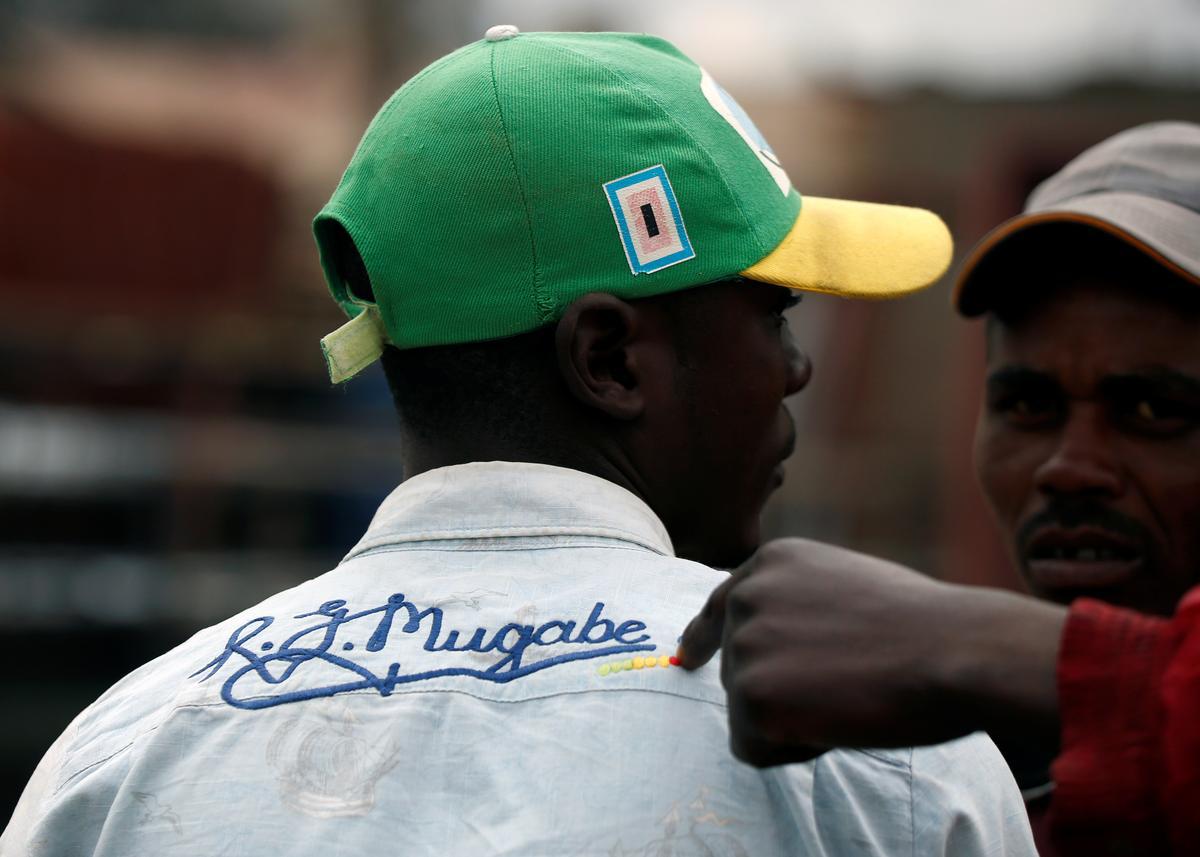 Zimbabwiërs treur die stigter Mugabe, maar verward oor die begrafnis