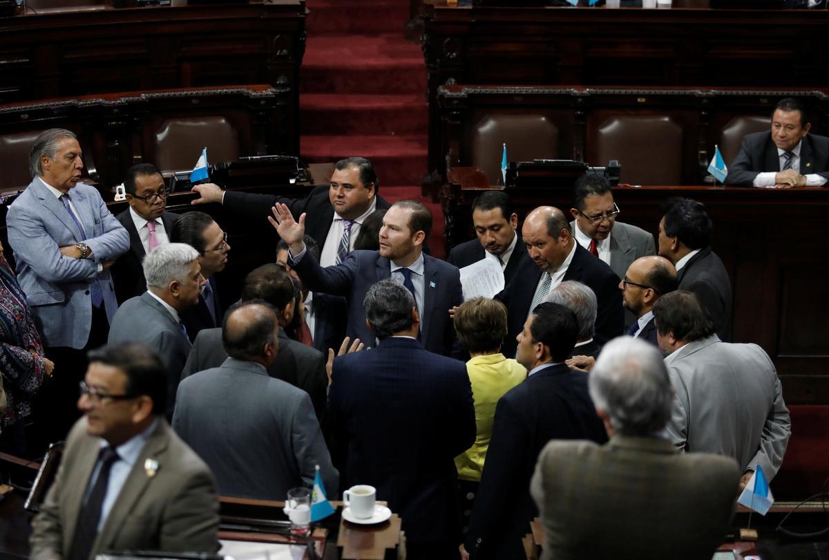 Die Guatemalaanse Kongres keur die omstrede staat van die beleg-verklaring goed