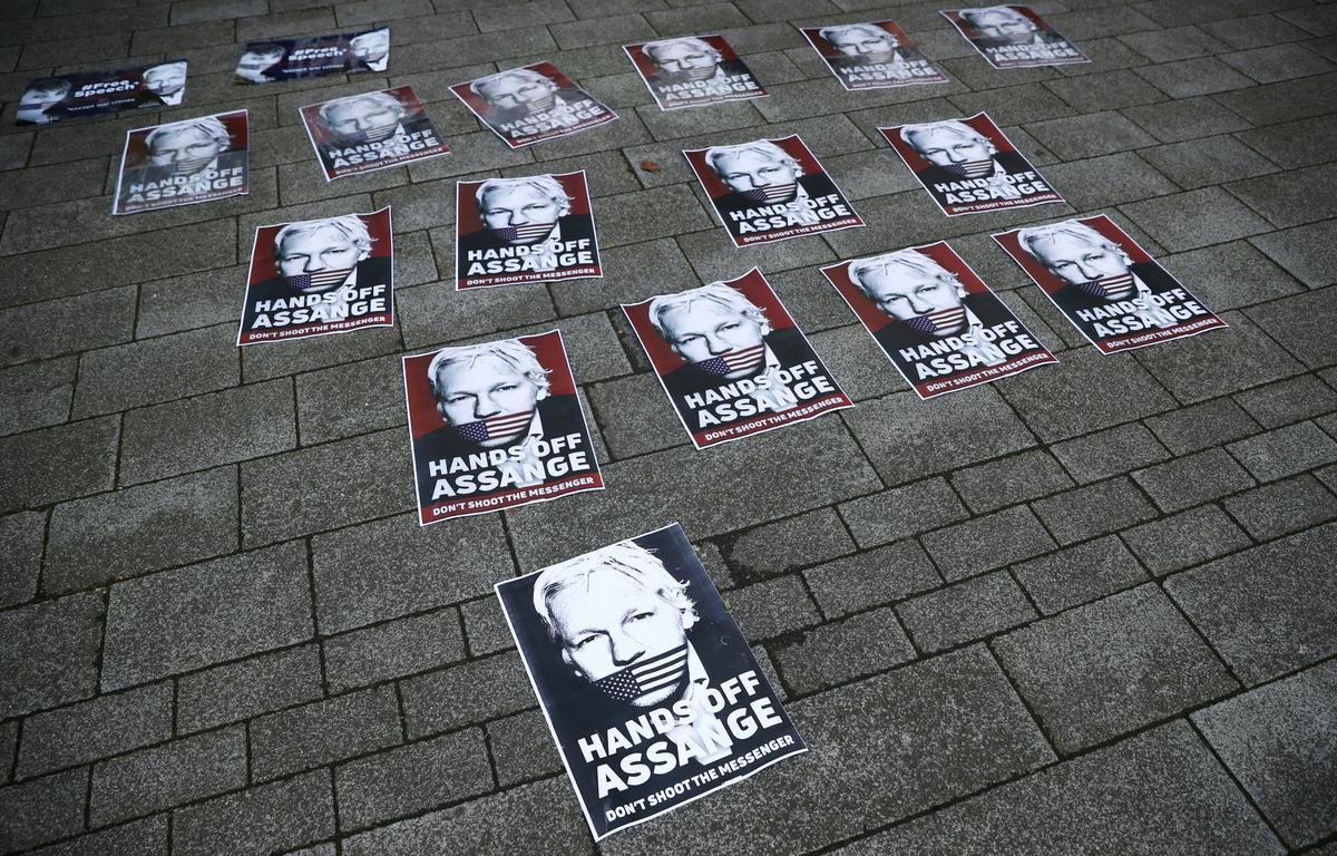Sweedse aanklaer hersien getuienisrekeninge in Assange-saak