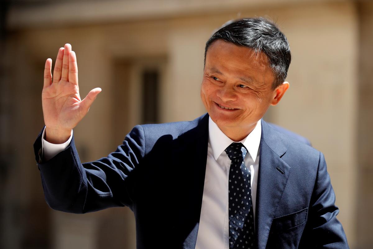 Alibaba is van plan om ''n groot uitdaging' te neem as die flambojante voorsitter Ma vertrek