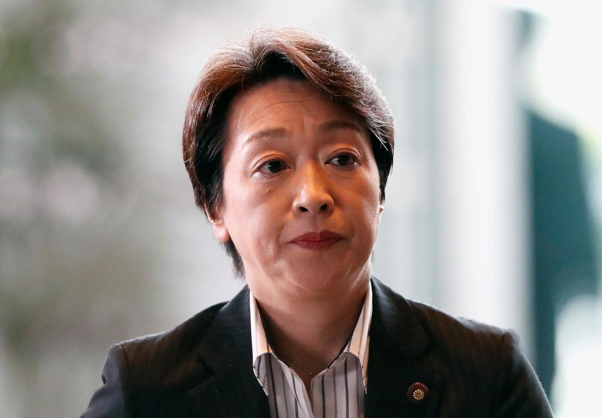 Die sewe-jarige Olimpiaan, die pioniersvroue-wetmaker Hashimoto, word as minister van die Olimpiese Spele aangestel