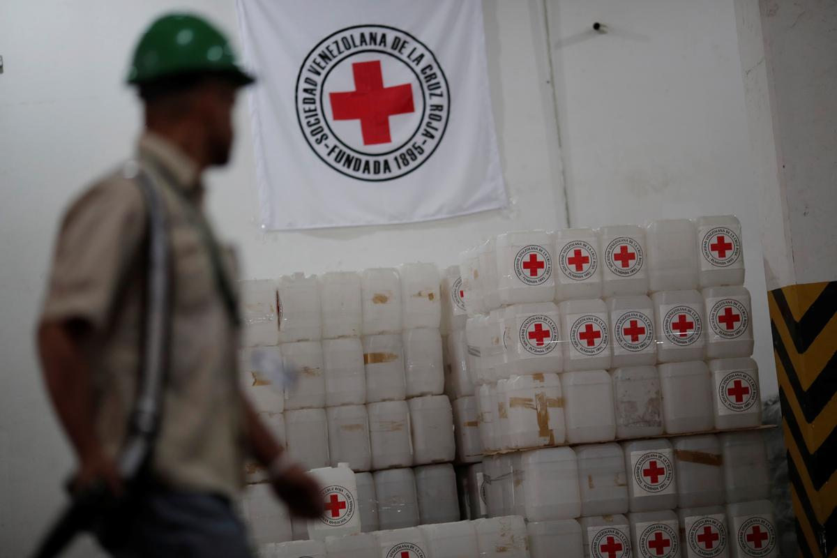 Humanitarian aid reduces shortages in Venezuela emergency rooms: NGO - Reuters