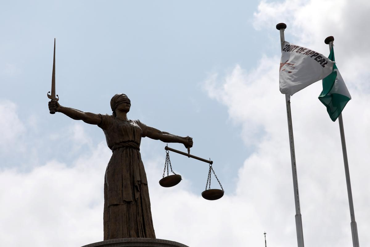 Die Nigeriese tribunaal verwerp die bod om Buhari se verkiesing omver te werp