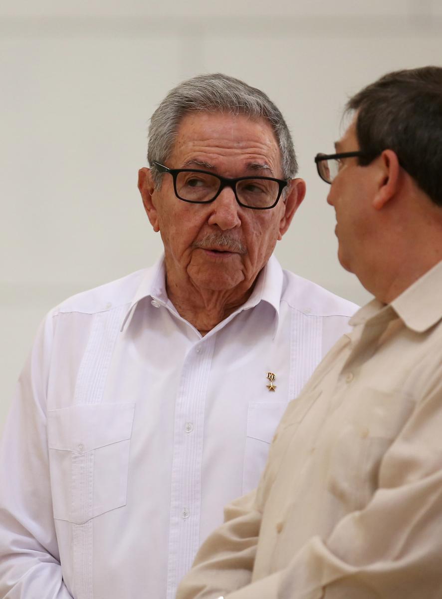 Twitter blokkeer rekeninge van Raul Castro en die Kubaanse staatsbeheerde media
