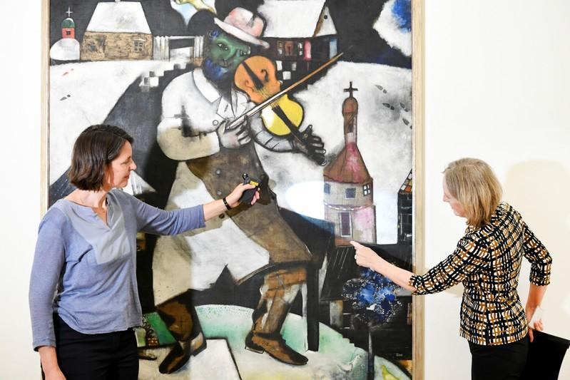 Chagall's famed 'Fiddler' painted on a tablecloth - researchers