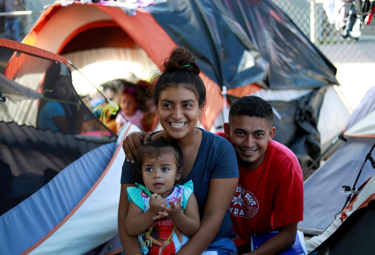 Na Amerikaanse uitspraak in die VSA, is die pasgetroudes in Hondurese onder migrante wat aan asiel droom