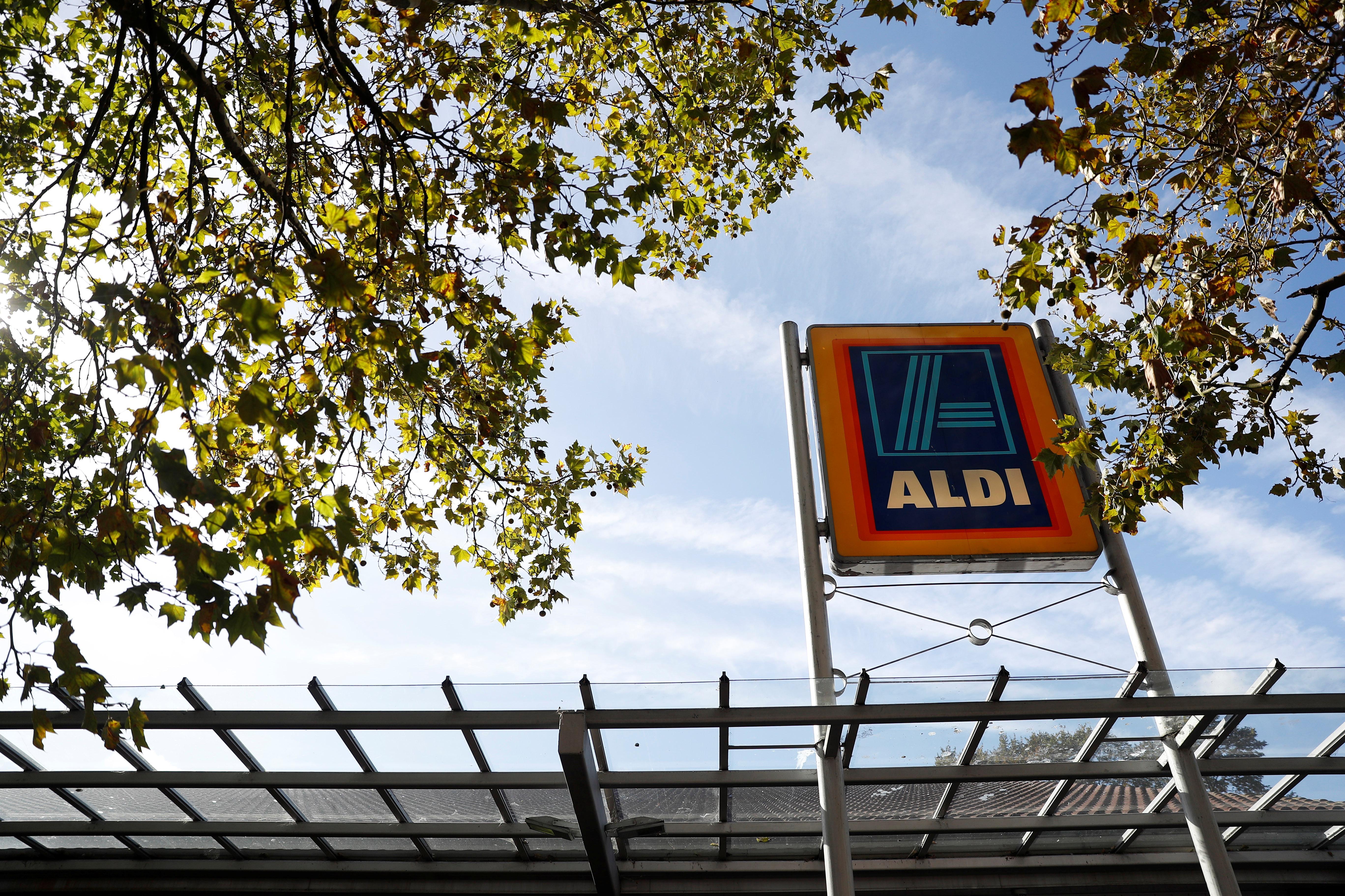 Aldi UK to invest £1 billion as profits fall