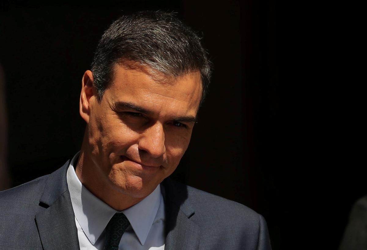 Spanje se waarnemende premier Sanchez dring aan op teenstanders om hom die regering te laat vorm