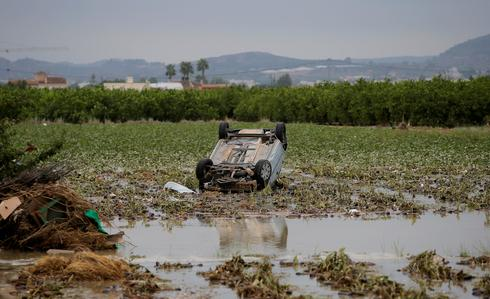 Torrential rains flood southeast Spain