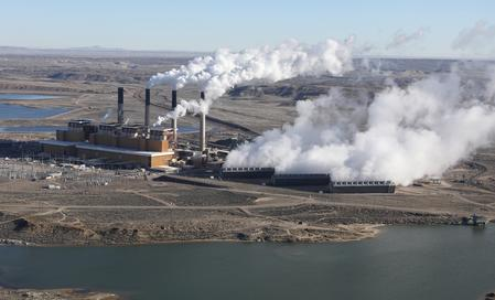 U.S. utilities file legal challenge to Trump power plant rule