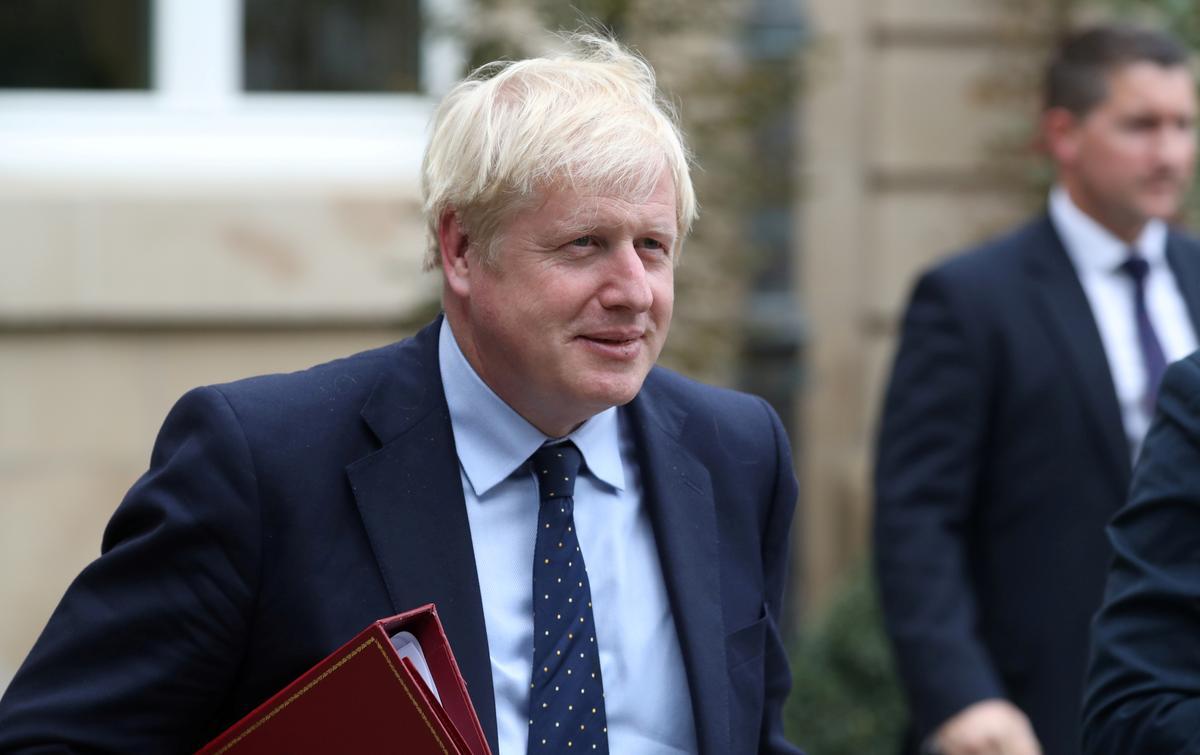 Johnson sê hy sal die wet nakom, maar die UK steeds op 31 Oktober uit die EU neem