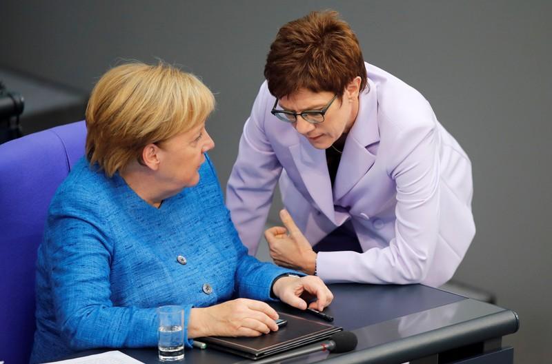 Merkel hält an Waffenexportstopp für Saudi-Arabien fest