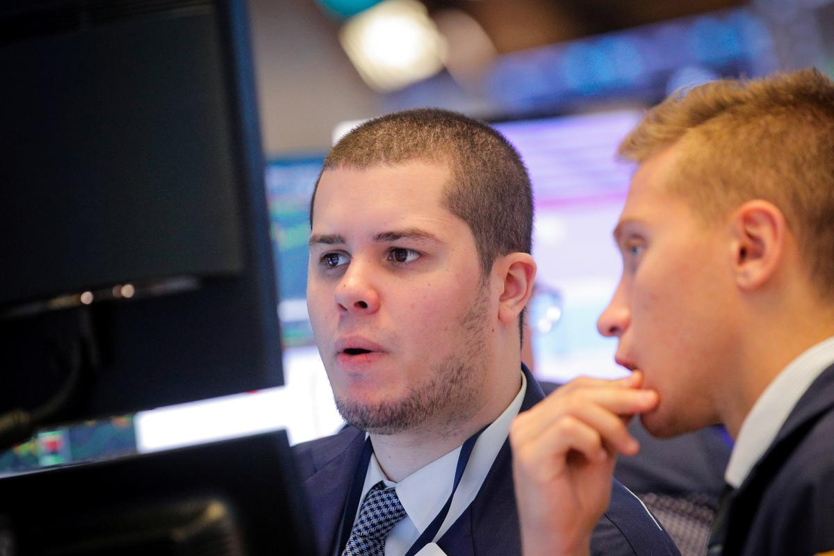 Wall Street falls as energy drags; focus shifts to Fed meeting