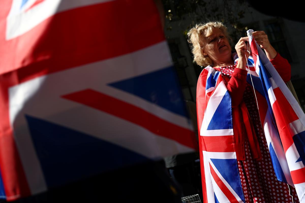Die Britse parlement skors nie 'n saak vir regters nie, sê die advokaat van PM Johnson aan die hooggeregshof