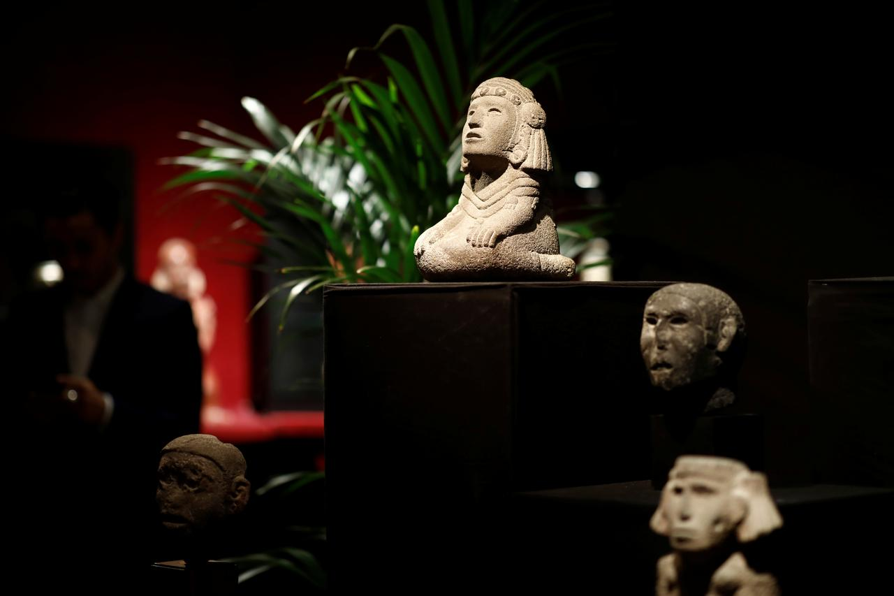 Image result for French auctioneer defies Mexico with sale of pre-Columbian artifacts