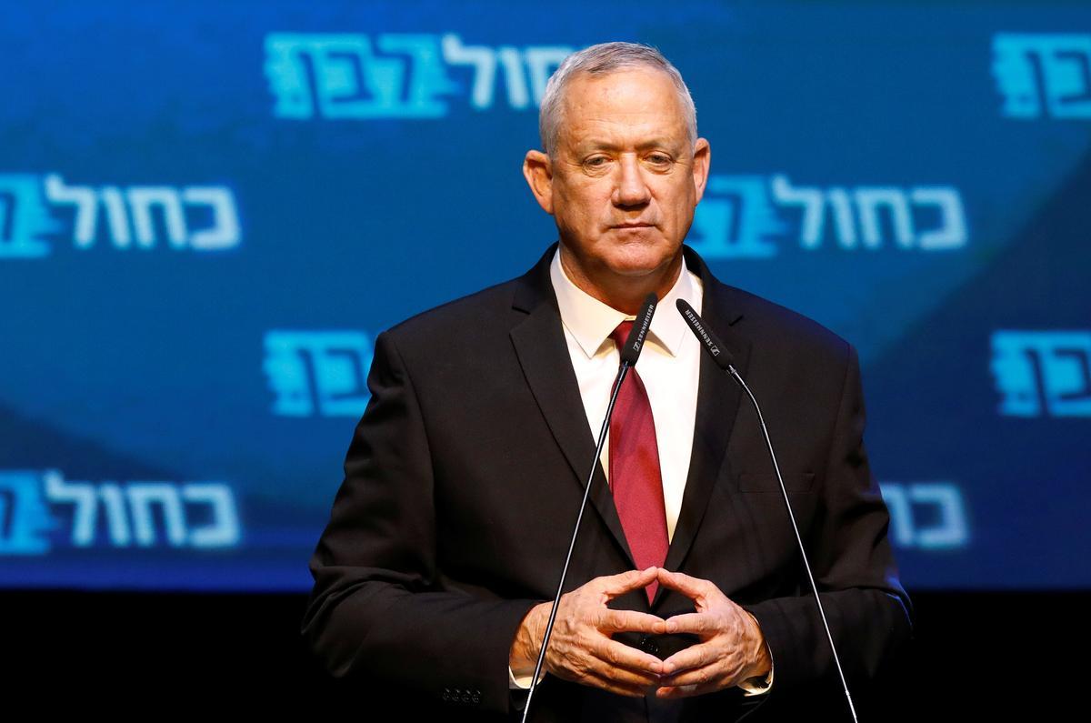 Israel se Gantz praat om 1100 GMT, ná die omvatting van Netanyahu