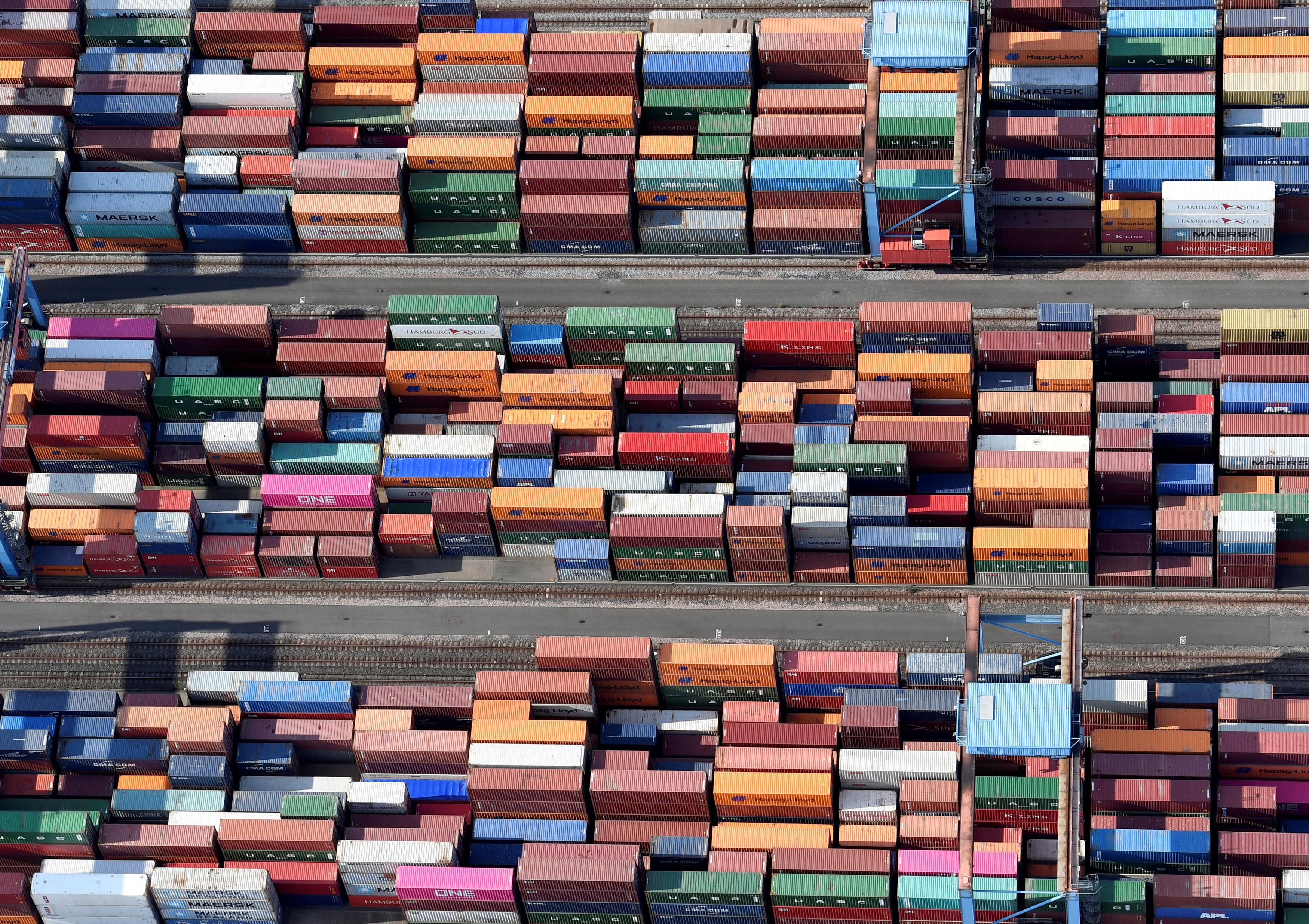 Negative trend in German exports to continue - Finance Ministry