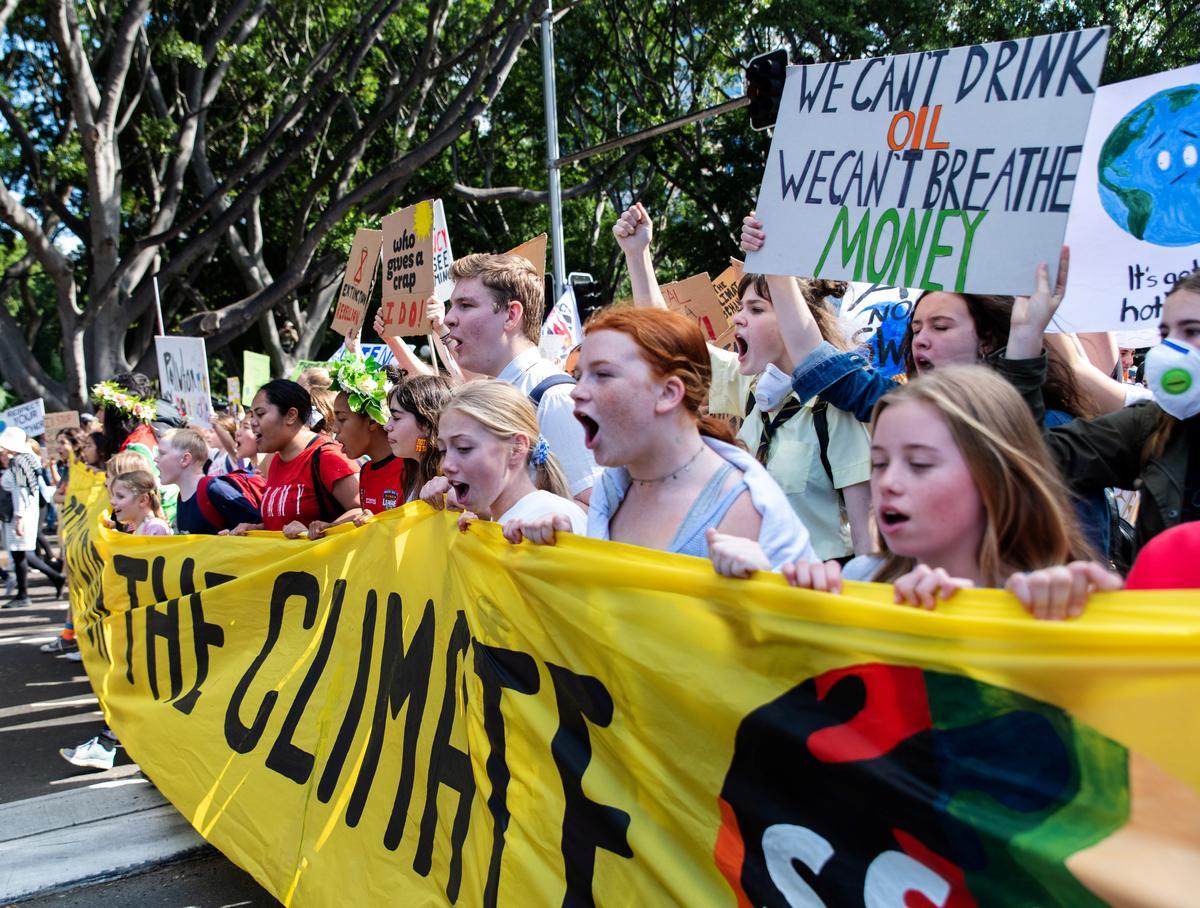Opvallende studente vertel dat wêreldleiers 'doen jou werk' op klimaat
