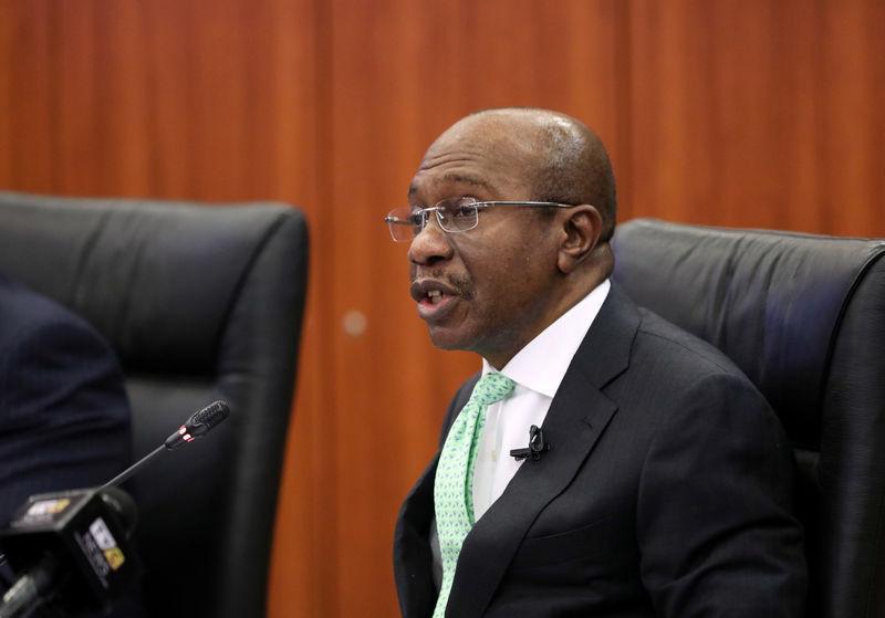 <b>Nigeria's central bank keeps benchmark rate at 13.5%</b>